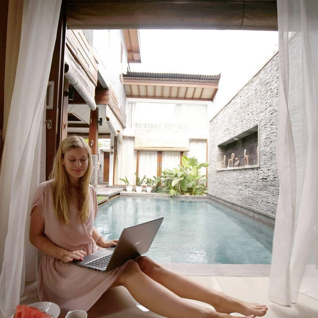 5 tips for working remotely while travelling